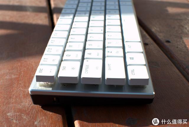 另类便携式蓝牙小键盘,酷冷SK621双模键盘拆解探秘