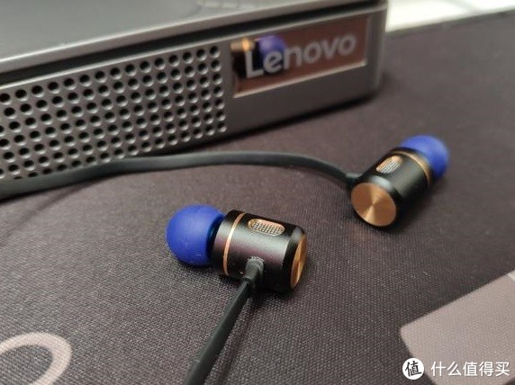 同为日本品牌的BH22面条耳塞式超小型蓝牙耳机