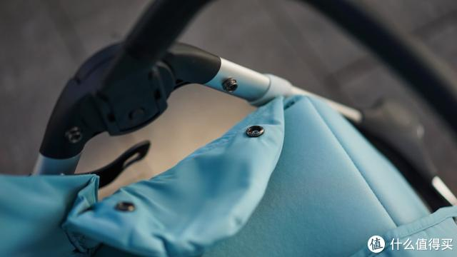 行走的宝宝头等舱——QBORN秒秒收婴儿车评测