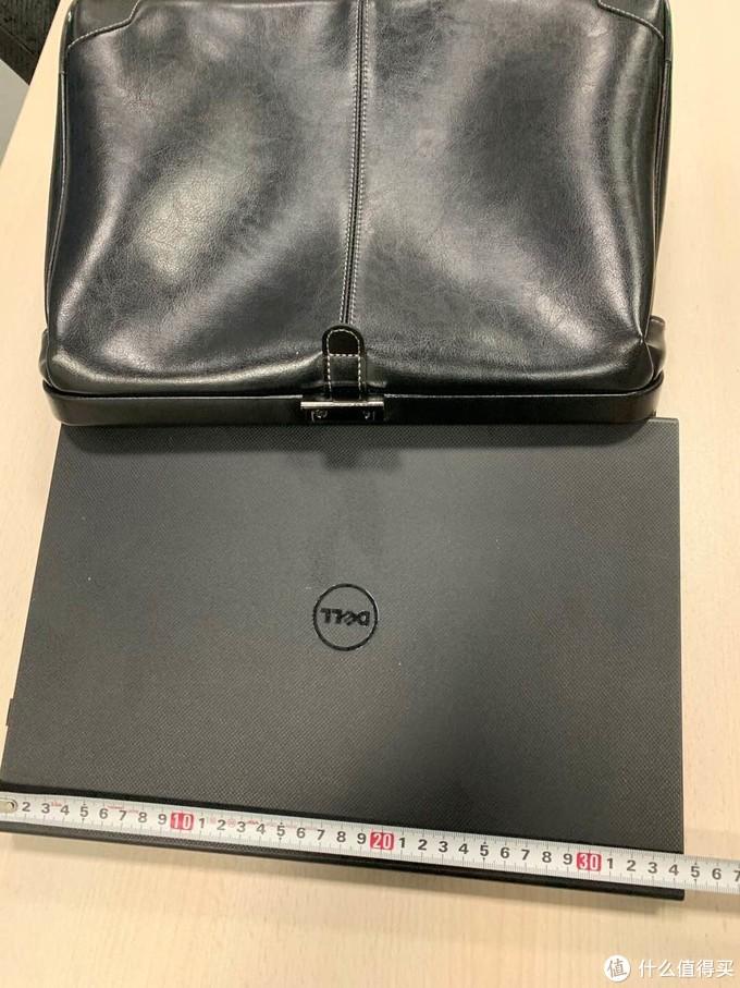 到底能装多大的笔记本电脑:EVERWIN 21591商务公文包尺寸不完全测量