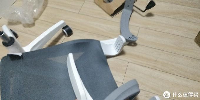 女汉子的电脑椅自主安装小分享