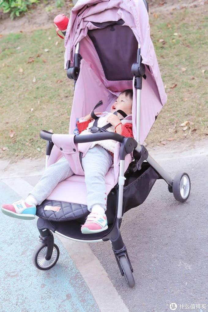 一键折叠出门遛娃神器:QBORN秒秒收婴儿推车(多图)