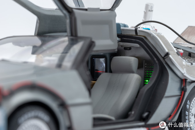 风火轮 1/18回到未来汽车模型声光版本详细介绍
