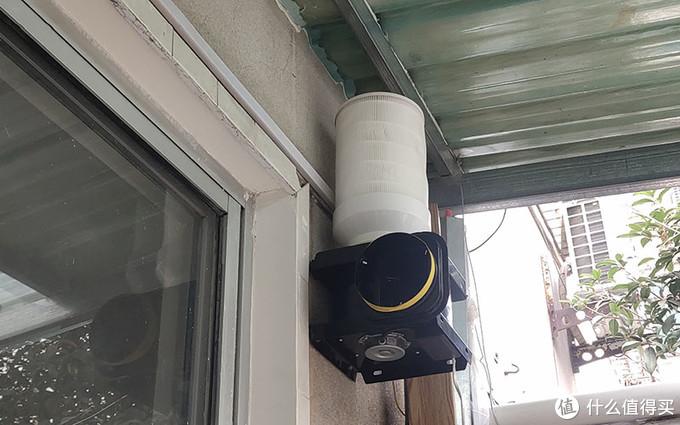 进风口朝上,滤芯加变径圈直接放风机上,不需要任何固定即可