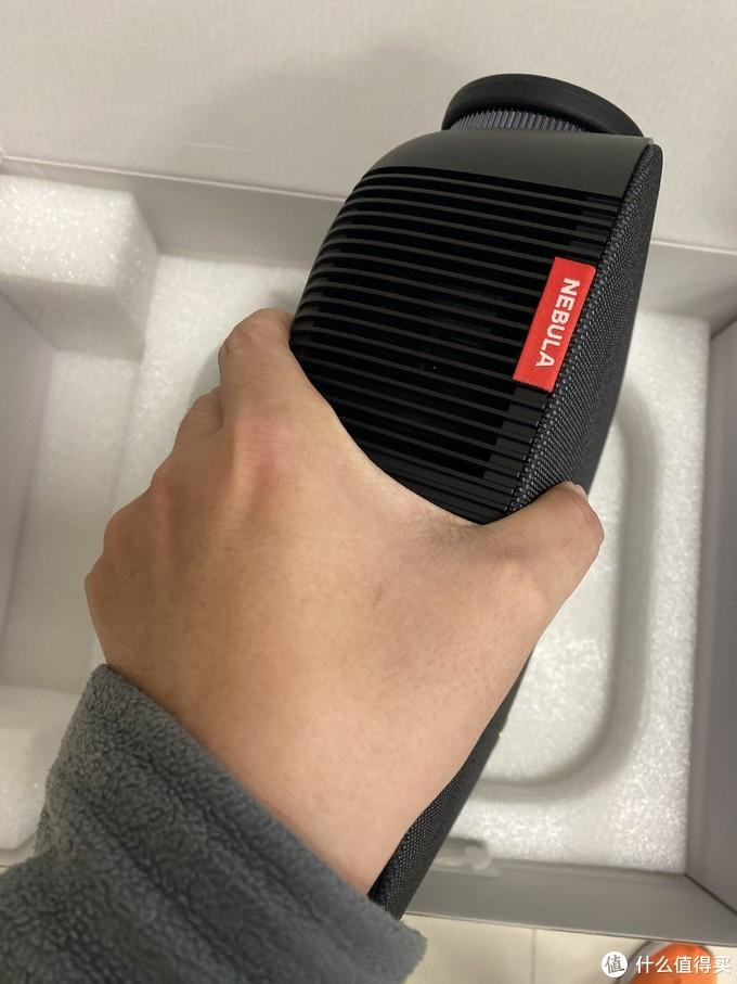 500元的感动,安克创新(NEBULA) L2 投影仪