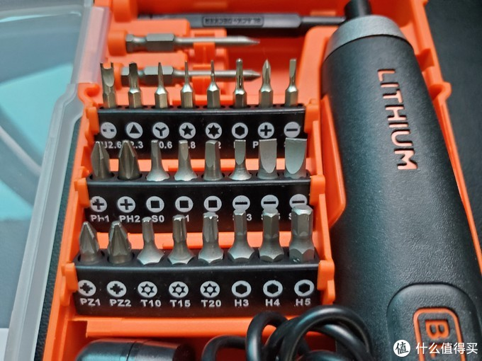 百得没有延长杆,16个电动短批头,2个电动长批头,8个精密手工批头,一个手工螺杆