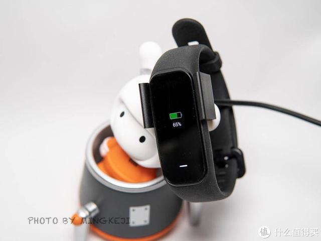 199元性价比首选!AMOLED彩屏+多功能NFC比小米手环还便宜