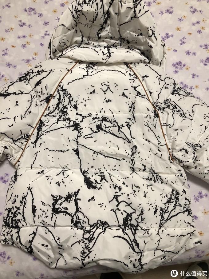 防寒保暖囤货—拉夏贝尔Puella女式撞色印花短款连帽羽绒服
