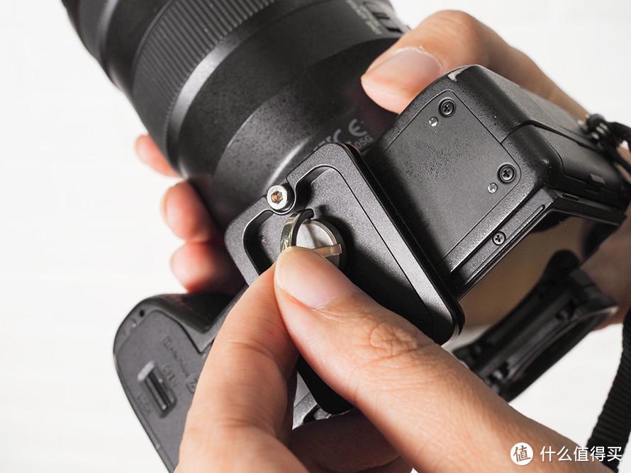 轻量级单反微单通吃的云台 飞宇AK2000S相机稳定器评测