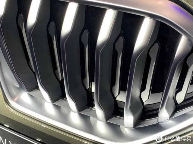 轿跑SUV物种的高度,由BMW X6自己来突破