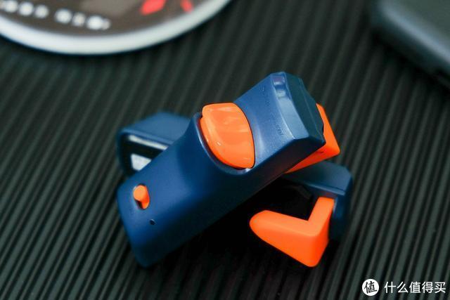 小巧便携,北通J1手游按键测评,一秒15次连发,手游中的辅助神器