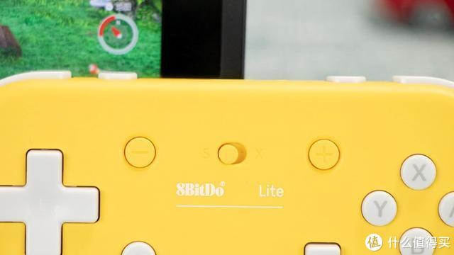 双平台支持一键切换,八位堂 Lite 蓝牙手柄评测