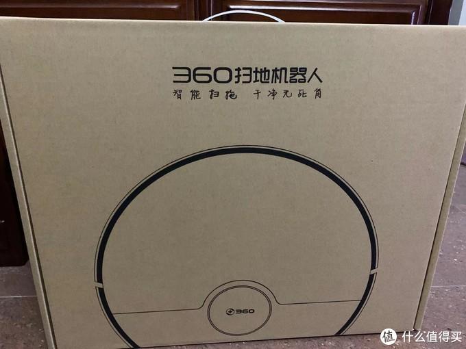 360的包装是双层纸盒包装的,在主体外还有一个纸箱保护。还挺结实的,没有被暴力快递破坏。