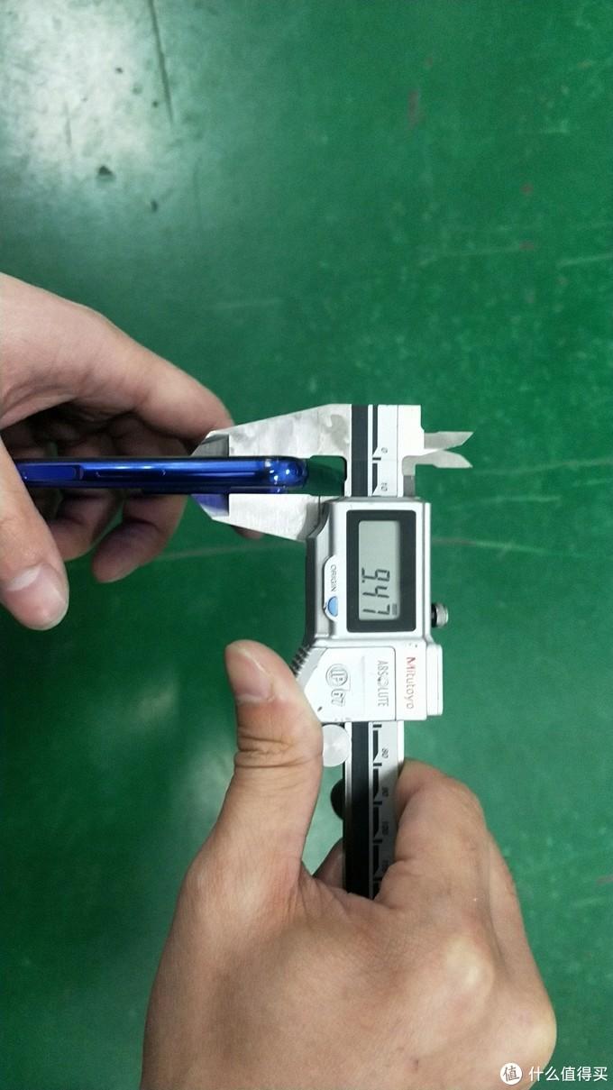 带膜摄像头厚度