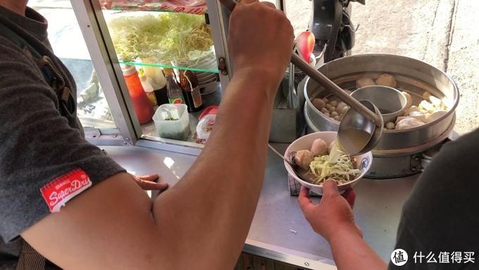 流落巴厘岛街头卖肉丸,窥探当地寻常人家生活—巴厘岛10元极限穷游实录(4)附街头美食攻略