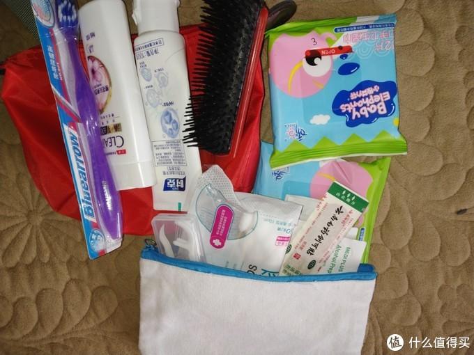 注意选不到100毫升的洗发水和牙膏,还要准备湿纸巾