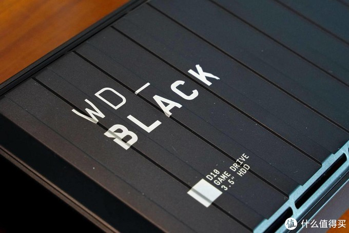 PS4容量不够?试试这款WD_Black D10游戏硬盘