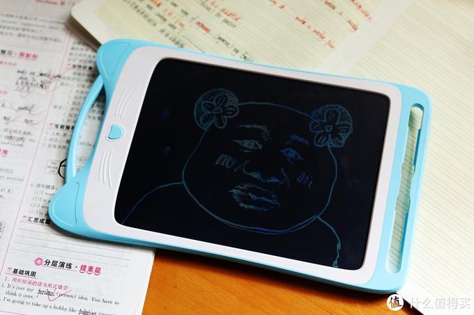 发掘孩子的绘画天赋,360液晶手写绘板让孩子安全释放天性