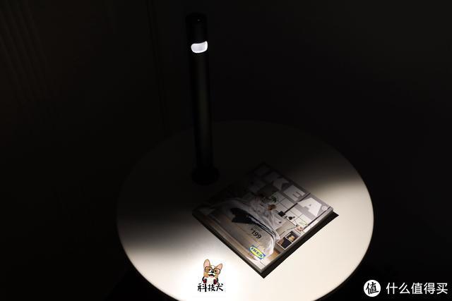 Jya无线台灯C图赏:创新灯体设计还原纯粹新光