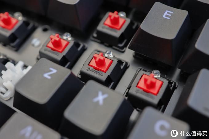 办公游戏全能型选手,樱桃原厂轴体只卖399元,简评雷柏V808键盘