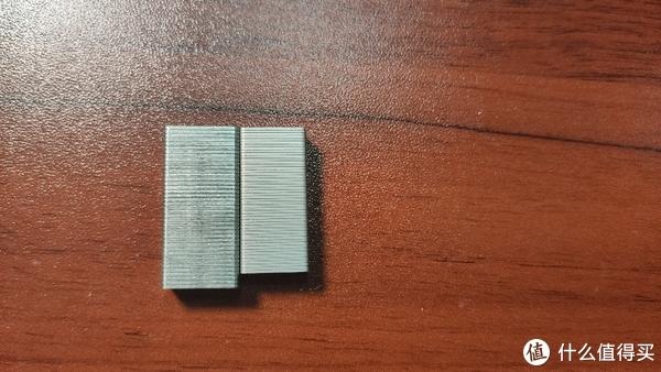 左边标准书钉,右边max书钉
