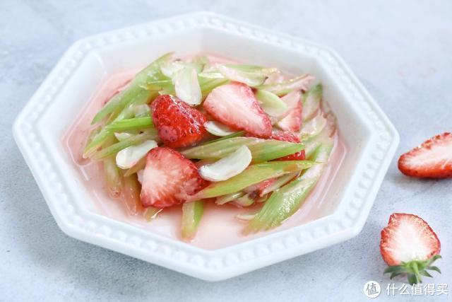草莓别生吃了,炒着吃让你脑洞大开,不爱吃蔬菜的孩子也超爱吃