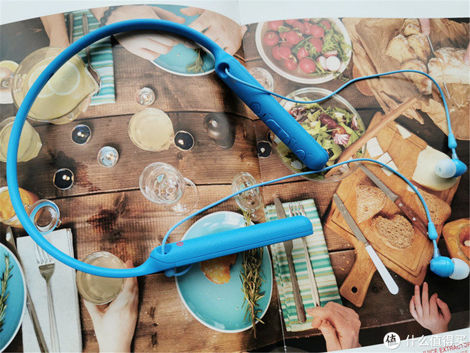 索尼 WI-C400蓝牙耳机轻便实用的耳机