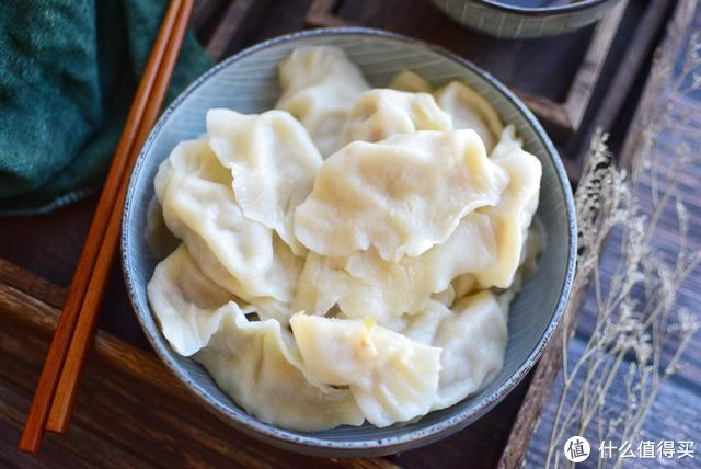 东北人每年腌一缸这菜都不够吃,冬至包成饺子,连吃两盘才过瘾