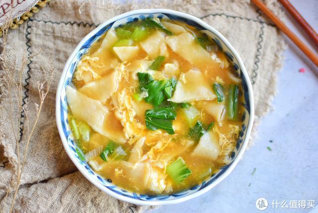 冬天面食最好吃的做法,切一切抻一抻,比手擀面还劲道,一碗不够