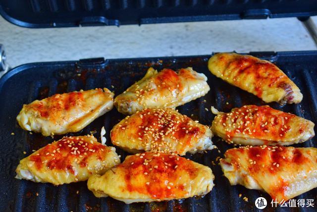 给孩子做了8个烤鸡翅,全部吃光,还说不过瘾,这做法秒杀烧烤店