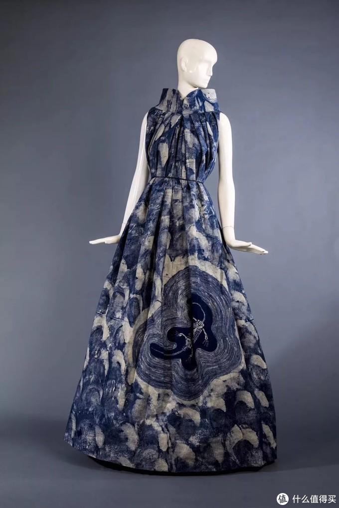 时尚奶奶团爆红网络!身穿蜡染旗袍被千万人追捧,幕后高人到底是谁?