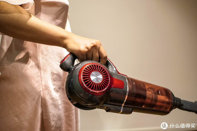我最终还是买了台两千元级别的吸尘器!用了一年,发现国产挺靠谱(附保修技巧)