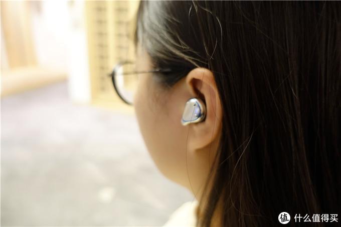 这款蓝牙耳机真不错,高端大气上档次,且性价比高,必须安利一下