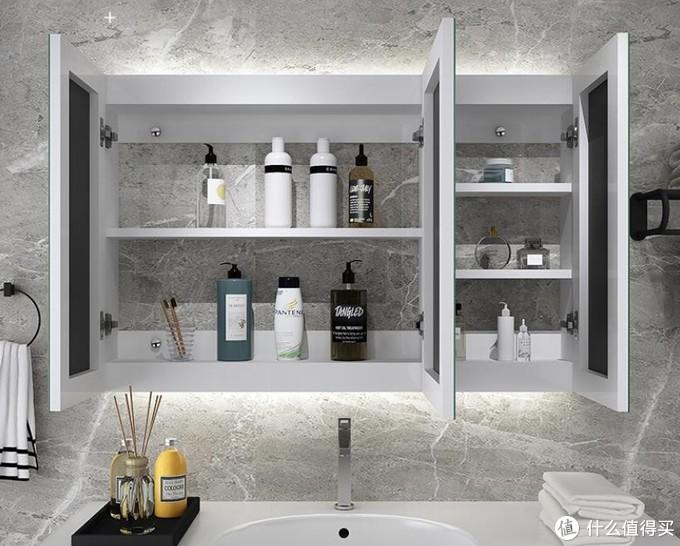 镜柜内部可以放怕水的化妆品