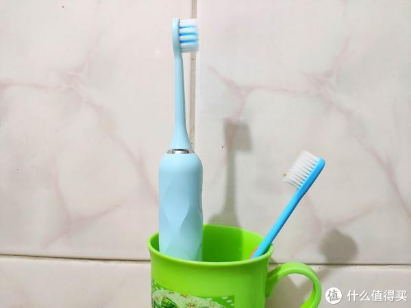 180天续航的高颜值电动牙刷:SENTROES圣涛电动牙刷上手体验