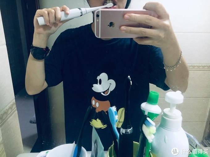 洁癖星人救星:刷头可烘干杀菌的电动牙刷来啦!