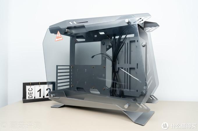 造型夸张,用料给力,效果酷炫、乔思伯(JONSBO)MOD-4 灰色 ATX机箱评测