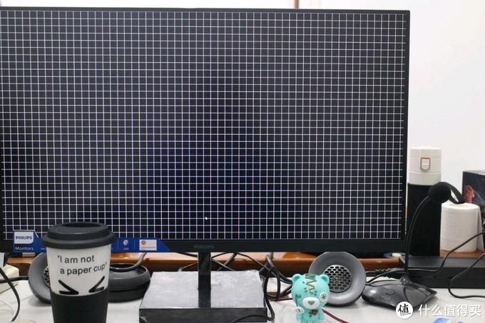 毕竟原价2999,日常家也2499的显示器,保完美屏还是没问题的!