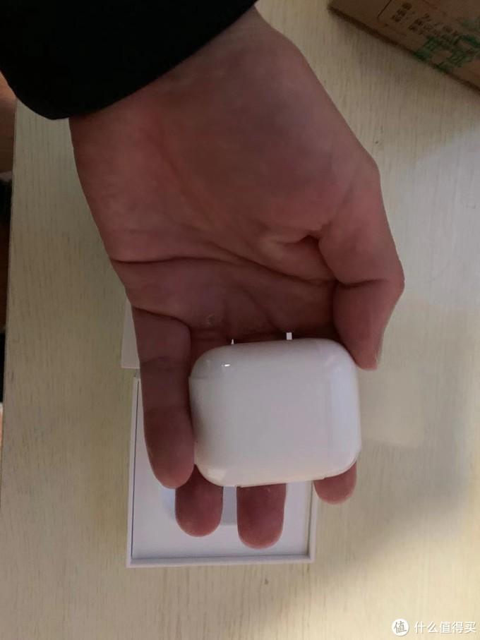 京东顺利下车Apple 苹果 新AirPods(二代)无线蓝牙耳机 有线充电盒版