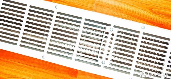 这是我用过的第8件米家电器,冬日取暖试试不太占地方的——米家脚踢线电暖器