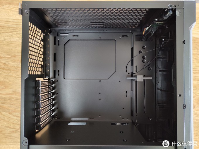 装机那些事之机箱篇十二:Tt挑战者H2中塔机箱上机