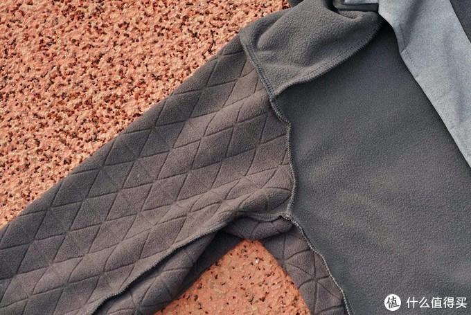 户外服饰的颜值担当,adidas TERREX连帽夹克外套上手体验
