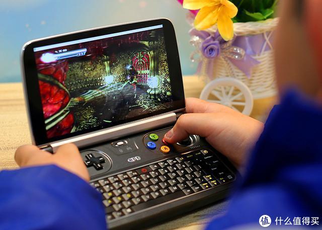 PC游戏大作轻松玩,GPD WIN2电脑为游戏而生