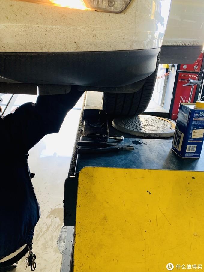 99元,含工时费,更换ATE DOT4刹车油