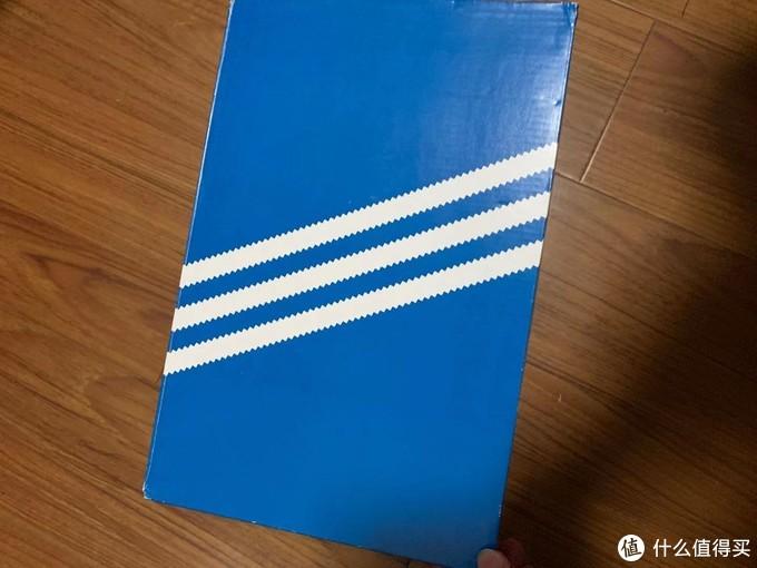 上海巴黎春天阿迪达斯(adidas)鞋二双以上5折