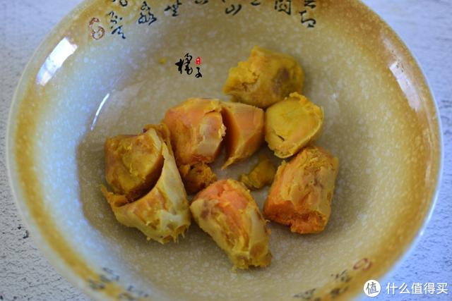 红薯不用烤着吃了,教大家一个新吃法,软糯香甜,既是饭又是零食