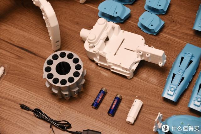 小米生态链推出智能机器人,手柄智能遥控,精准瞄准射击