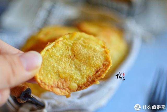 孩子最爱的零食炸薯片,妈妈在家就能做,酥脆好美味,孩子吃不够