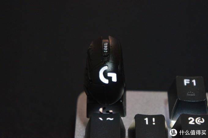 这颗比鼠标原型还贵的键帽,已经绝版了~罗技 G X ZOMO 联名 G502 鼠标金属可动键帽