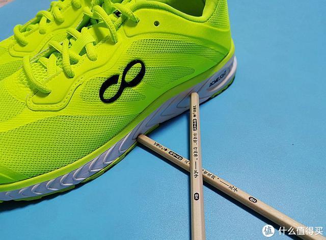 运动界的新星,敢于挑战传统的运动时尚跑鞋---咕咚智能跑鞋42K
